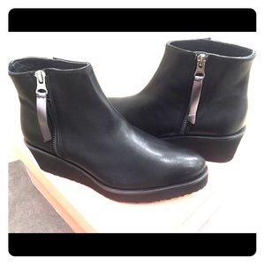 Eric Michael Ankle Boots Black Leather